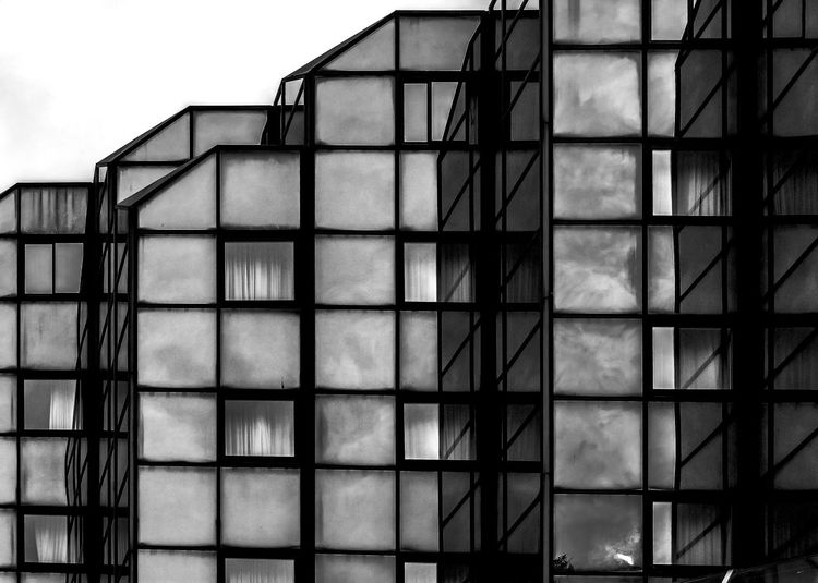 Square Glasses Blackandwhite Monochrome Bnw Architecture Shades Of Grey Urban Geometry Streetphoto_bw Reflection The Architect - 2015 EyeEm Awards Amazing Architecture Everything In Its Place