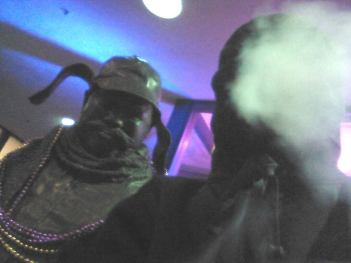 #smoked Out He Tellin Me #swing Sumthin #statue