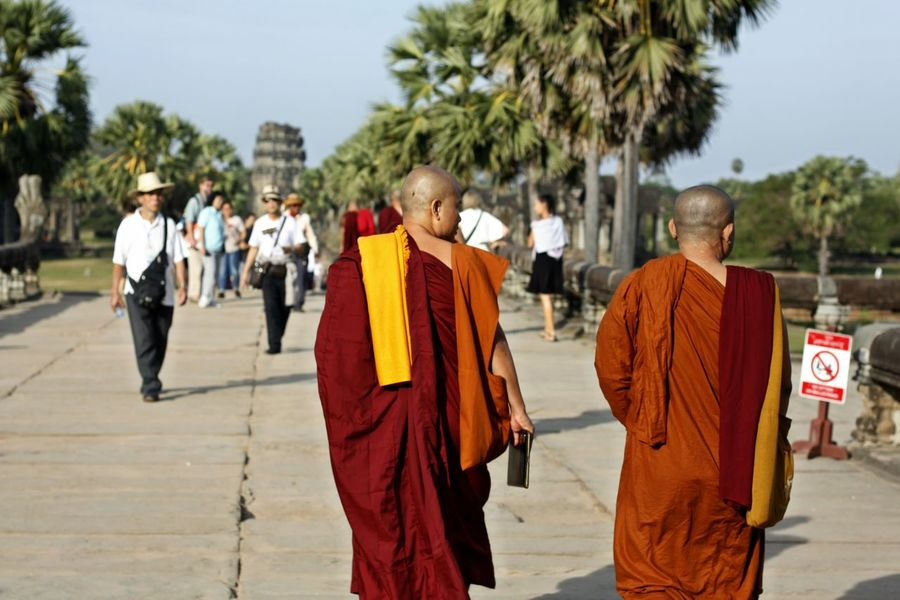 Adult Adults Only Budhist Monk Budhistmonk Day Happiness Men Monk Budhist Prayer Monk In Angkor Wat, Siem Reap, Cambodia Monk In Temple Space Monks Monks And Tourist Monks In Cambodia Monks In Motion Monks In Temple Monks Walk Only Men Outdoors People Real People Religion Responsibility Siem Reap, Cambodia