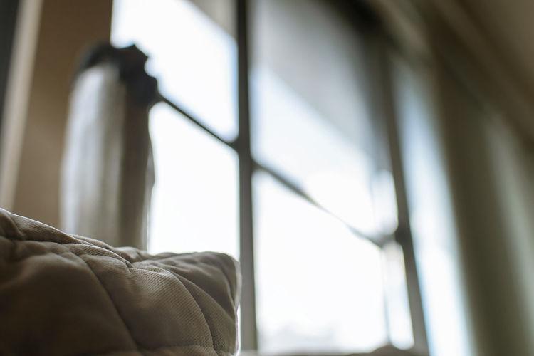引導 Decoration Light And Shadow Pillow Aperture Blurry Living Room Home Interior Window Close-up Duvet Waking Up Home Showcase Interior Side Table Insomnia Bedtime