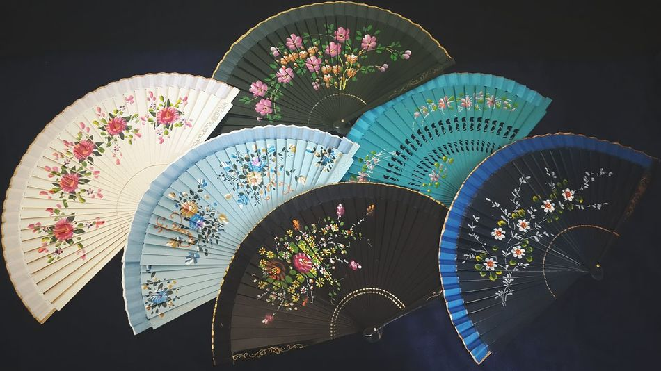 Still Life Eye4photography  Folding Fan Bazaar Simplicity Pattern Pieces Design Pattern Hand Fan Variety Live Love Shop EyeEm Best Edits Floral Pattern Floral Styles Colors Market Check This Out Accesories Women Accessories Style Popular Photos Arrangement Colorful EyeEm Gallery