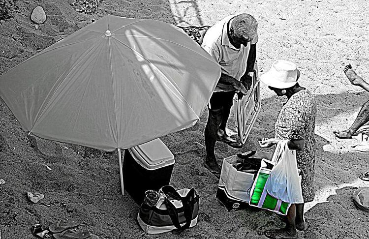 Gente Di Mare People Green Beach Tourists Monopoli