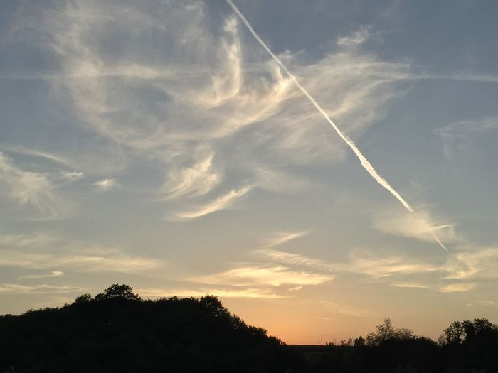 Sunset Sky Cirrus Clouds Airplain Trail Beautiful Sky
