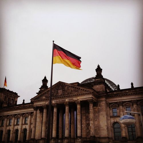 Flag Berlin Germany Reichstag Me Around The World Cloudy Day Clouds November Europe