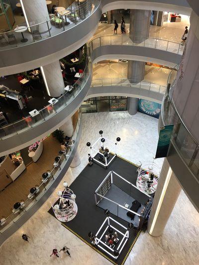 商场 High Angle