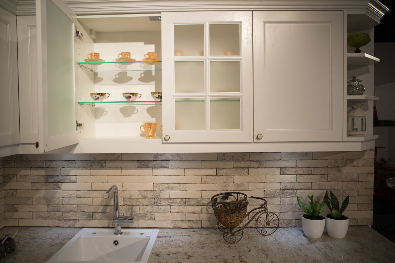 domestic kitchen, indoors, kitchen, no people, domestic room, shelf, cabinet, architecture, day