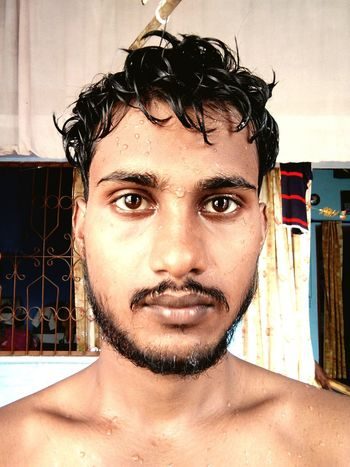 Foam of soap in my beard.. 😉 Eye KD KDphotography Kdrajput Kdwithyou Kdwithyou. Bolgspot. Com Krishna Dipankar Beard After Bath Day Mature Adult Hot Shot India Poor Kids Love ♥ Front View Real People Headshot One Person Shirtless Portrait Young Adult Close-up This Is My Skin