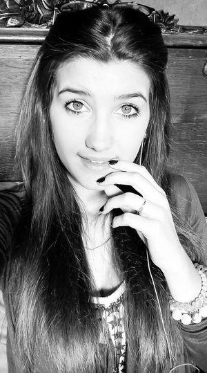 Attache toi, afin que je te face souffrir comme on m'a fait souffrir tu verra comme c'est dur de se remettre debout! Le Mal T'apprend, Tomber Te Rend Plus Fort!! Blackandwhite Photography REGGEA Top.model.un.rêve