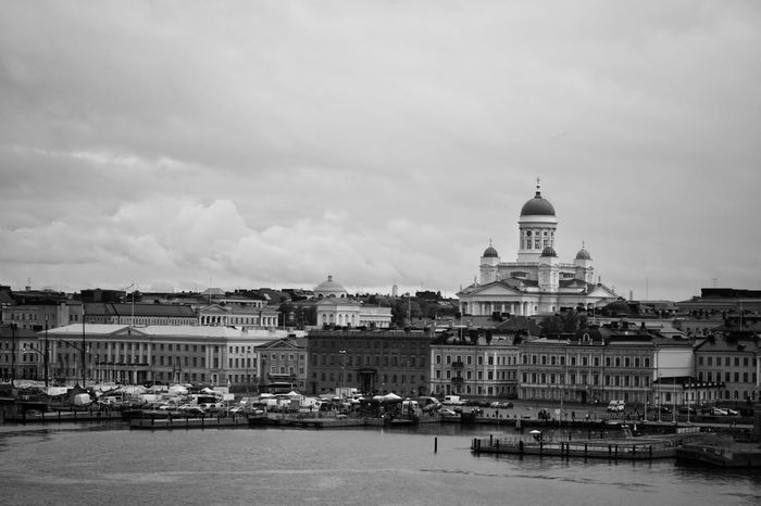 Follow my Facebook page https://www.facebook.com/niklasstormfoto/ Showcase October 2017 The Week On EyeEm 2017 Okt Niklas Helsinki, Finland Finland Architecture Building Exterior Outdoors Sky Religion Dome History Day Built Structure Sea Water Politics And Government Black And White Friday The Graphic City Go Higher The Architect - 2018 EyeEm Awards The Great Outdoors - 2018 EyeEm Awards #urbanana: The Urban Playground Summer In The City My Best Travel Photo