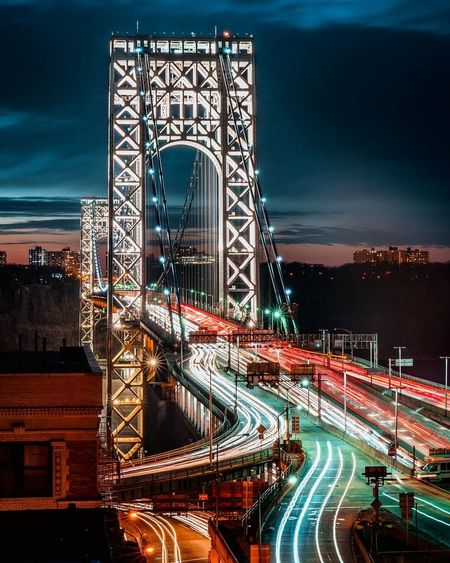 MLK day Sony A7RIII 24-105 f4 F16 13sec ISO 64 Tripod Check the shot here IG: @ramon_britoo https://www.instagram.com/p/BeB2EEsgce6/ Sony Longexposurephotography Streetphotography Taxi NYC Motion Nightphotography Sonya7riii Sonyalpha Night Long Exposure Light Trail Architecture Bridge - Man Made Structure Travel Destinations Illuminated No People Built Structure Outdoors City Road Sky Cityscape