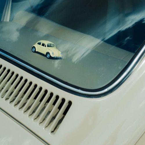 Oitavo encontro de fuscas de Atibaia Atibaia Artbaia Fusca Beatle Fuscão Carro Antigo Volkswagen Sunday Car Old Bluesky Fotografia Nikon D7000 Followme Instago Miniatura Mini Replica  Brinquedo Toy Bege Beige
