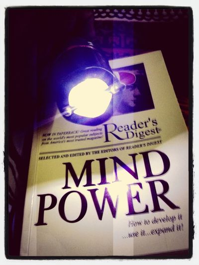 resding the most shocking book about mind .. Hola!