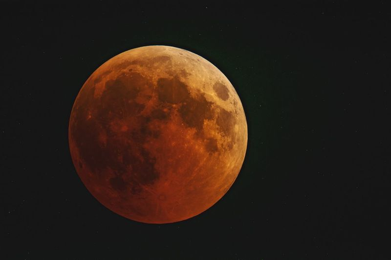 Total lunar eclipse Astronomy Space Moon Half Moon Clear Sky Space Exploration Moon Surface Crescent Planetary Moon Full Moon Eclipse Satellite Space And Astronomy Moonlight Natural Phenomenon Astronomy Telescope HUAWEI Photo Award: After Dark