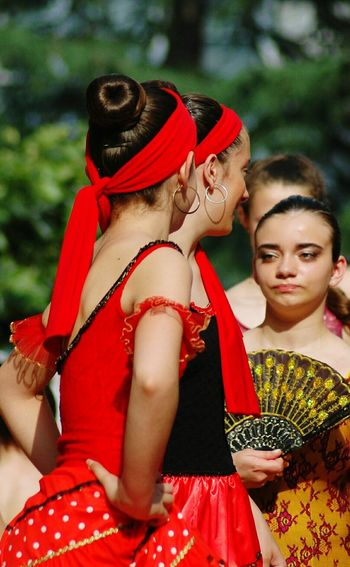 Esibizione Nikonphotography Child Togetherness Childhood Girls Representing Red Tree Traditional Dancing Tradition Women