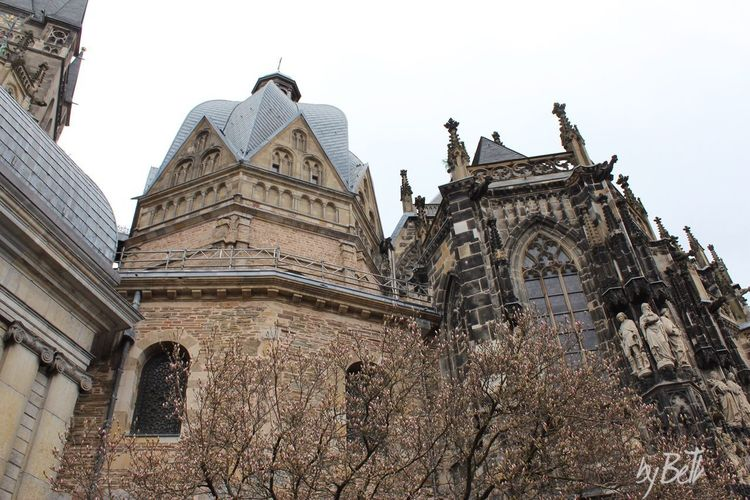 Aachen Dom Aachener Dom Dom Aachen Architecture Building Exterior Built Structure Sky Low Angle View Belief Religion Tourism The Past Travel Destinations Nature Building Travel History No People Outdoors Ornate Place Of Worship Spirituality Day
