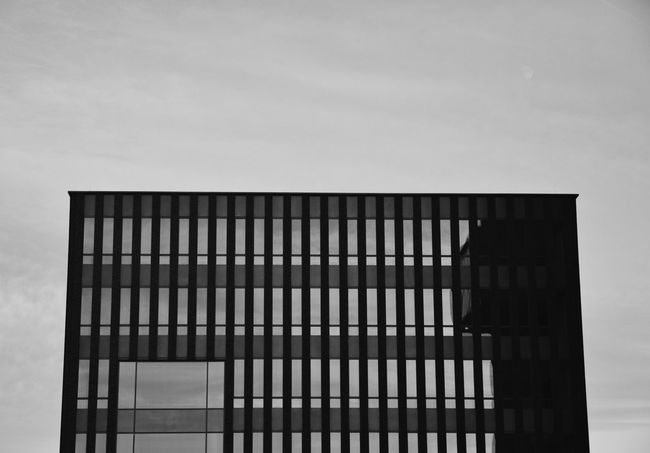 Glashaus. Eyem Best Shots - Black + White EyeEm Masterclass EyeEm Bnw Nikon NIKON D5300 Nikonphotography EyeEm Best Shots - Black + White EyeEm Best Shots - Architecture From My Point Of View B&w Street Photography B&w Photography Blackandwhite Schwarzweiß Streetphotography EyeEmStreetshots Showcase: January Eyeforphotography Photography TheWeekOnEyeEM EyeEm Best Shots EyeEm Gallery Walking Around Taking Photos The Architect - 2016 EyeEm Awards