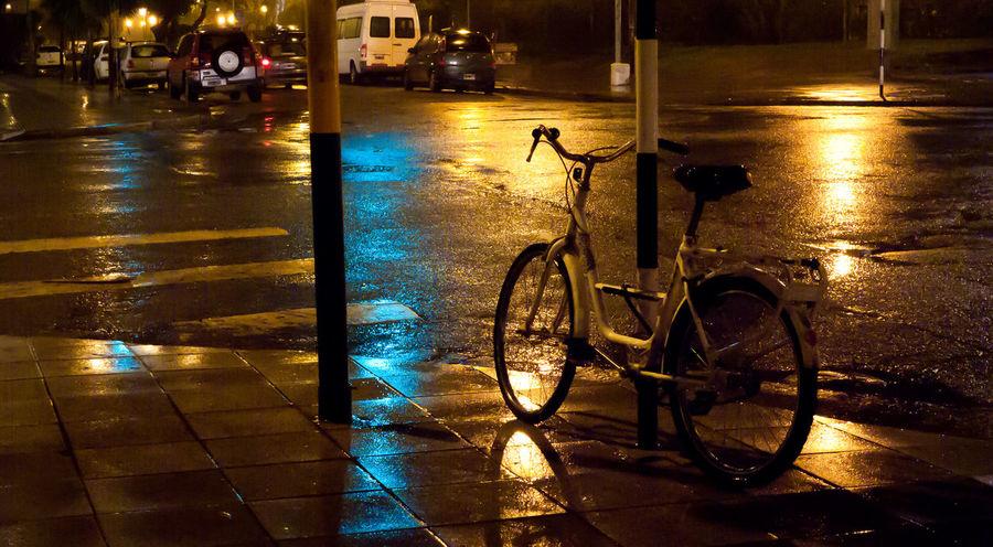 Nigthlight Bike Leicacamera Rainy Day Colours Hightiso Streetphotography Street Corners Nopeople