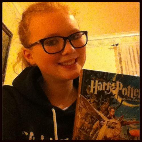 Reading Relaxing Reading Harry Potter!!! Lovelovelove