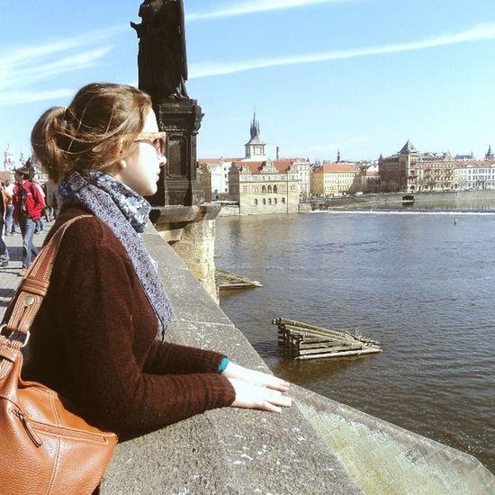 Сейчас холодно, темно и страшно.. А когда-то мы были в Праге, и мы были счастливы🌌 архивпутешественника ностальгия вернитемневесну