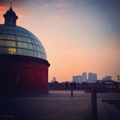 Sunset #greenwich #tunnel ???☀? #alan_in_london #gf_uk #gf_daily #gang_family #insta_uk #igers_london #insta_london #ldn #london #londonpop #london_only #londoners #thisislondon #ic_cities #ic_cities_london #ig_england #love_london #o2trains #gi_uk #world Alan_in_london Insta_london Tunnel O2trains London Worldwidephotowalk Greenwich Thisislondon Londoners Kewikihighlight_bestsofar Gang_family Touristlondon Gf_daily Gi_uk Ambience Igers_london Softtones Ig_england Londonpop Love_london LDN Ic_cities_london Insta_uk Lom_ouc London_only Ic_cities Gf_uk