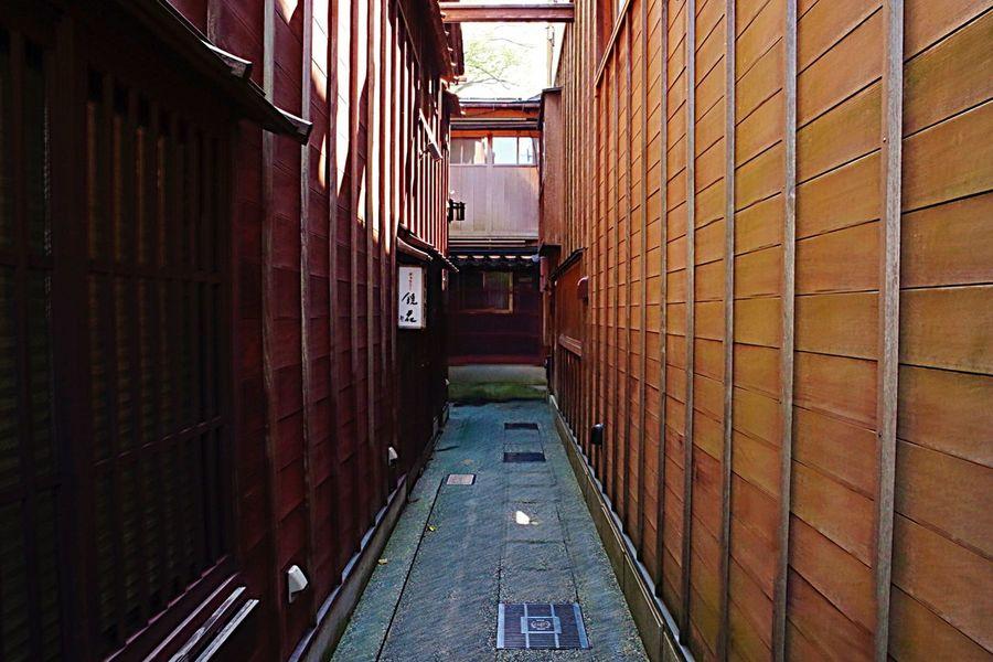 小道に寄り道 Architecture No People Red Color Japan Photography Japanese Culture Japanese Traditional Street Narrow PENTAX K-70
