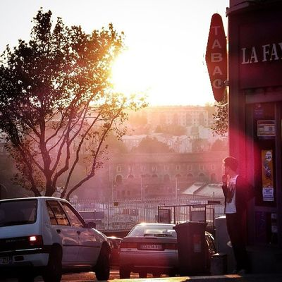 Paisible #brest au #soleil couchant #brestsiam #siam #streetphotography #ig_france #igersfrance #igersbrest Streetphotography Siam Brest Shootermag Soleil Sunsetlovers Sunset_madness Igersfrance Momentsinthesun Sunsets_captures Ig_france Lensflare_masters Brestsiam Igersbrest