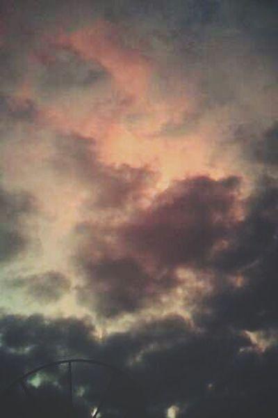 Today the sky is heavy... Hello World Life Is Beautiful Thanksgod Popular Photo Heaven Beautiful Taking Photos Jesus Saves Love Jesus Goodnight