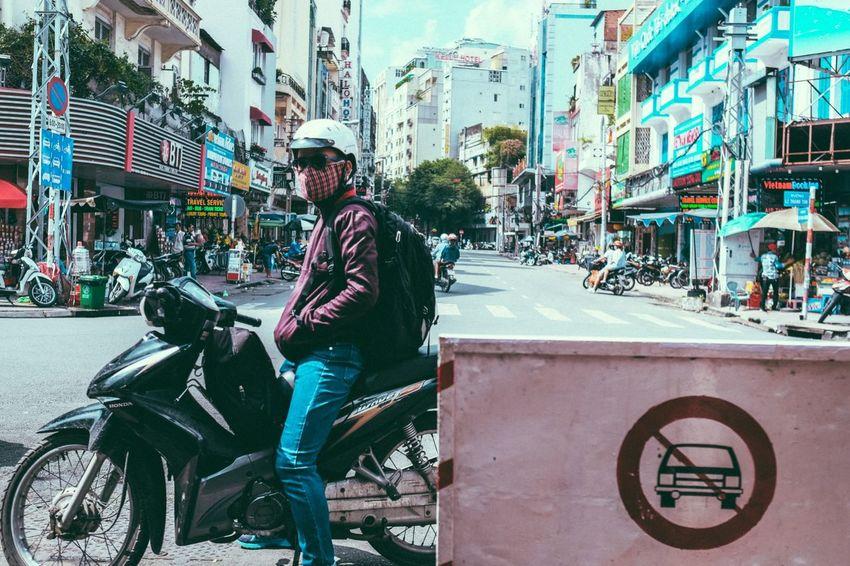 Capture The Moment Popular Photos Streetphotography Street Eye4photography  EyeEm Best Shots EyeEm People Motorcycles Light And Shadow The Street Photographer - 2016 EyeEm Awards