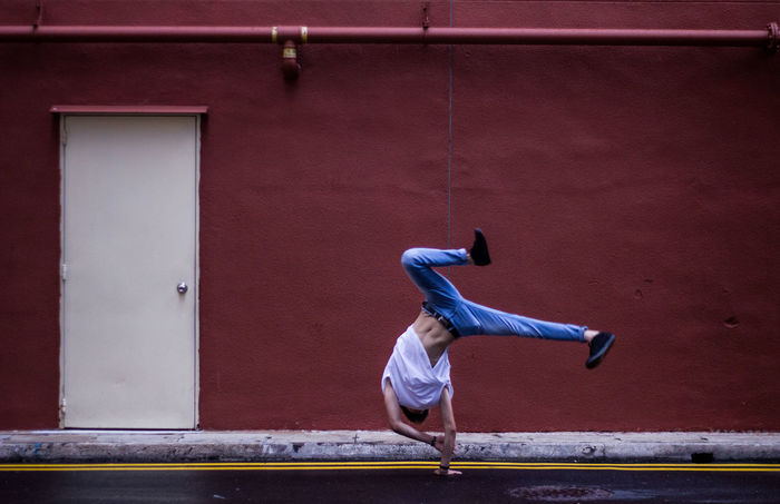 Architecture Athleisure BBOY Breakdance Built Structure Casual Clothing Contrast Day Handstand  Lifestyles Lines Outdoors Shape Streetphotography Upside Down Urban Colour Of Life What's On The Roll Color Palette Break The Mold The Street Photographer