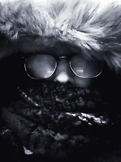 C O L D ❄️ Night Photography Afterworkselfie Selfportrait IPhone Photography Autoportrait Blackandwhite Photography Rainy Day ItsColdOutside Sunglasses Fashion Eyewear Eyesight