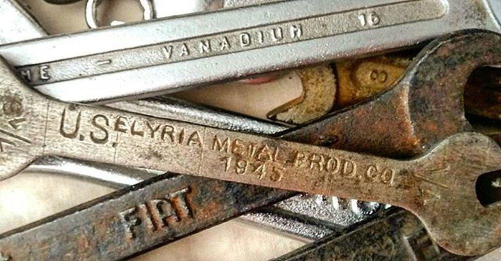 Metal 1945 Bikerepair Bike USA FIAT vanadium chiavi metallo bici Pisa pisabybike cycling shine nofilter igerspisa ig_pisa igerstoscana ig_toscana