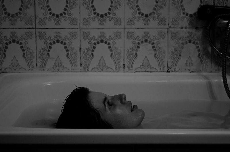 Always Be Cozy Bath Time Girl Life Blackandwhite Black And White Blackandwhite Black & White Water Bathroom Bathing Photography Session