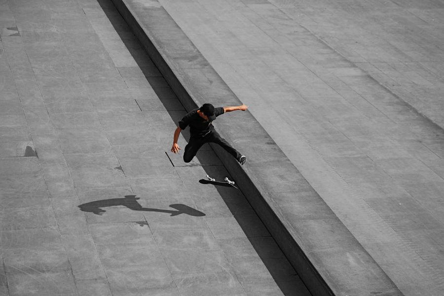 Fly Focus Object Jump Skateboarding Skatepark Beton Blackandwhite Concrete Concrete Floor Jumping Jumpshot Men One Person Outdoors RISK Shadow Skate Skatelife Skater Sport Streetart Streetlife Streetphotography Urban Urbanlife First Eyeem Photo Breathing Space EyeEm Selects Breathing Space