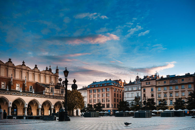 Travel Architecture Building Exterior Built Structure City Sky Nature Cloud - Sky Building Travel Destinations Incidental People History Town The Past Arch Day Street Outdoors Town Square