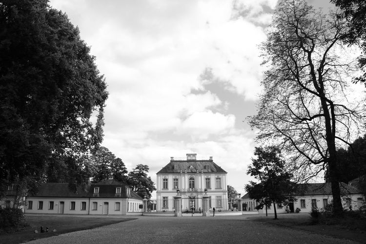 Hunting Lodge Architecture Baroque Blackandwhite Building Exterior Built Structure Day Haunted Nature No People Ornate Outdoors Schwarzweiß Sky Tree