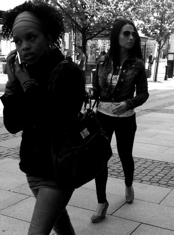 | •Every girl is beautiful. Sometimes it just takes the right guy to see it.• | Streetphotography Streetphoto_bw Blackandwhite AMPt_community