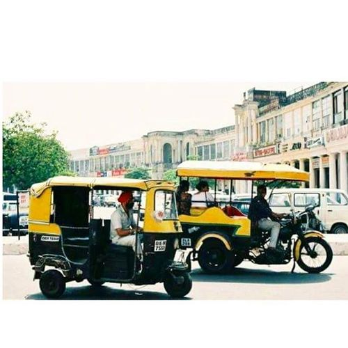 Connaught Place in the early 90's. x ConnaughtPlace Delhi India Sodelhi Delhidiaries DelhiGram Indiapictures Incredibleindia 90s Autorickshaw Retro Dillimerijaan