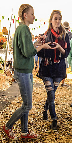 Candid Friends Front View Ripped Jeans Side View Skinny Jeans Streetphotography