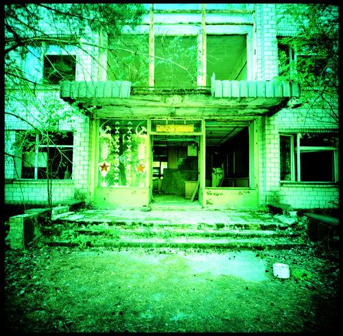 An abandonded gym in Chernobyl Abandonded Abandonded Gym Analogue Photography Chernobyl Chernobyl 1986 Chernobyl Exclusion Zone Gym Lomo Lomography Medium Format Misha 1980 Misha Bear Misha Medved Nuclear Catastrophy Olympia 1980 Olympic Games 1980 Radiation Radio Club Radioactive Barrels Soviet Star Soviet Union Trash Vaulting Horse Vintage Vaulting Horse Xpro