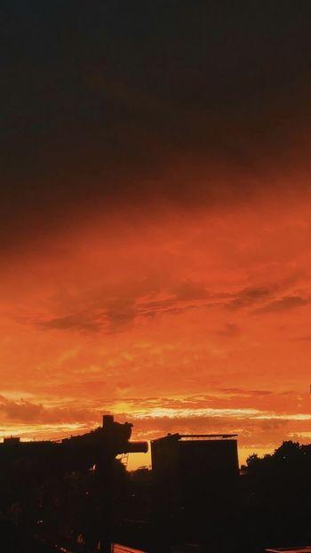 Cielo Sunset Sky Cloud - Sky Architecture Built Structure Silhouette Orange Color