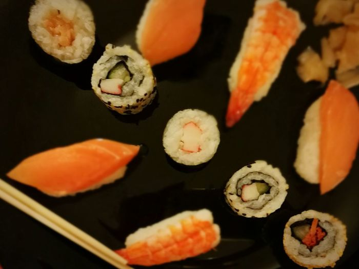 Sushi Sushi Time Fish Food Taking Photos Check This Out Ready-to-eat Japanesefood Japanese Traditional Tasty Rawfish Riceworld Soy Sauce Wasabi Culture