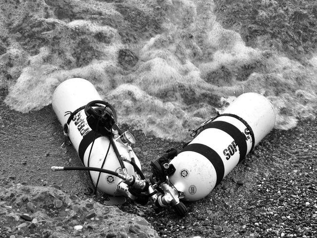 Afterdive Bodenseeregion Diving Diving Bottles Oxygen Bottles Schwarzweiß Tauchen Tauchflaschen