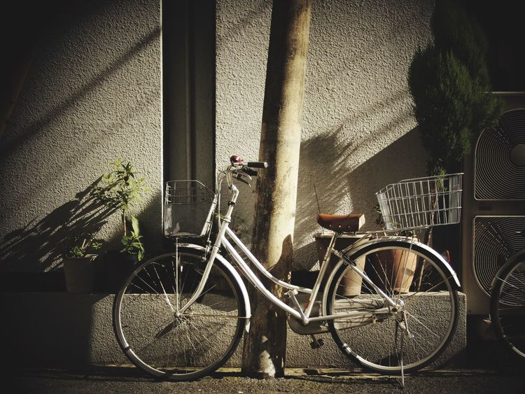 電柱斜めってる Wall Japan Street Photography Streetphotography Streetphoto_color Open Edit Snapshots Of Life Bike 壁 自転車
