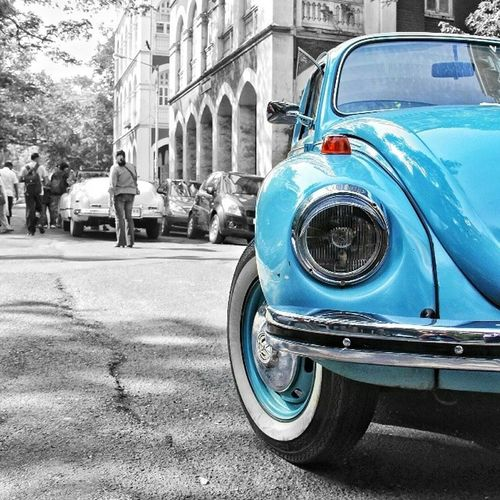 A 1972 Volkswagen Super Beetle. What else do you need to make your day.