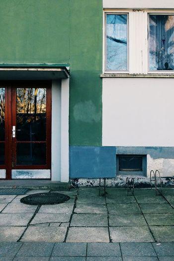 Ostberlin Bonjour Tristesse Vscocam VSCO Urban Architecture ReflectionUrban Geometry Minimalobsession Minimalism