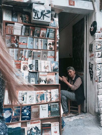 Keep reading Streetphotography Book Real People People Store Communication Two People Portrait Small Business