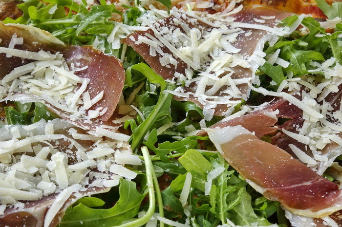 Pizza, Schinken, Rucola Cheese Chopped Close-up Day Food Food And Drink Freshness Gammon Ham Healthy Eating Indoors  No People Ready-to-eat Rocket Rucola Salad Serrano
