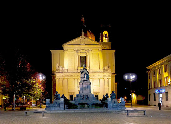 The church and the Pope Pius XI memorial at Desio, Italy. Architecture Art Art And Craft Building Exterior Built Structure Church Church Desio Illuminated Italy Night Place Of Worship Pop Pius XI Memorial Religion Sculpture Spirituality Statue Street Light