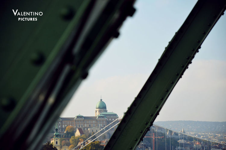 #budacastle #detail #framedcomposition #libertybridge #unesco Architecture Bridge - Man Made Structure Building Exterior Built Structure City Cityscape Dome History No People Outdoors Sky Tourism Travel Travel Destinations