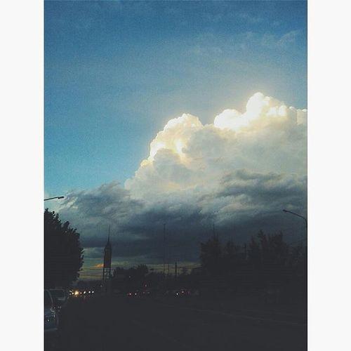 Solo un atardecer...!! Sunset Justasunset Clouds Mavelous Capturetheday Yesterday Instamoment VSCO Vscocam Godcreation